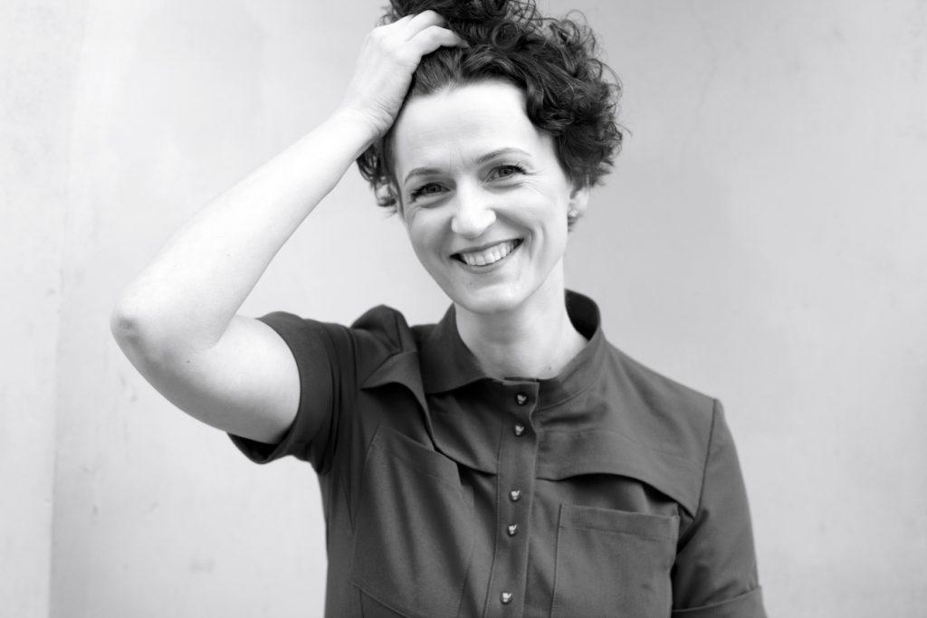 Kristina Savickytė, juodai balta. nuotrauka